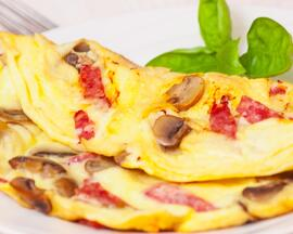 Omelette with bacon and mushrooms